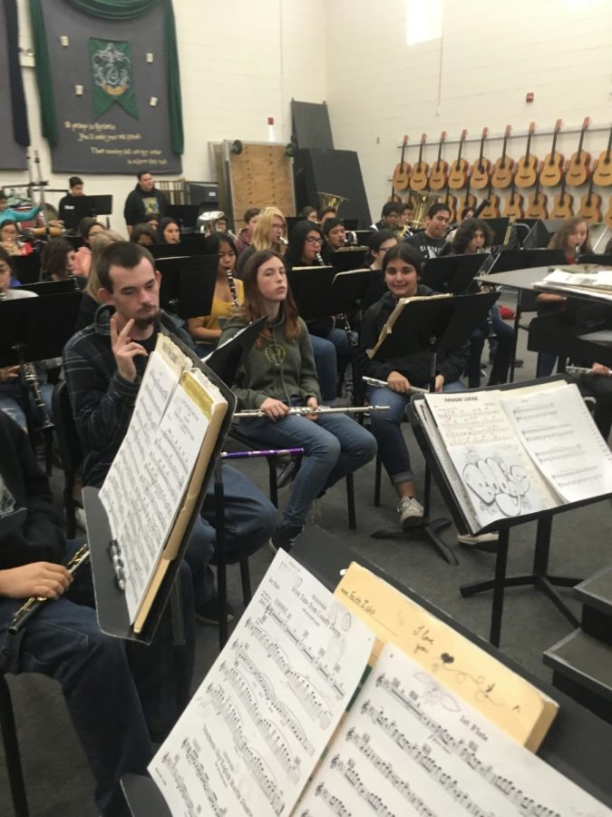 Students+practicing+their+concert+pieces.
